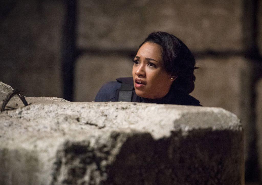 Während Iris (Candice Patton) als Polizistin gegen die bösen Metawesen kämpft, erfährt Cisco, wozu er wirklich fähig ist ... - Bildquelle: Warner Bros. Entertainment, Inc.