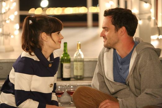 New Girl - Jess (Zooey Deschanel, l.) und Nick (Jake M. Johnson, r.) laden di...