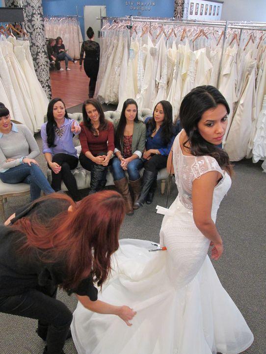 Werden Christine, Tiffani und Alicia bei Vows ihre Traumkleider finden? - Bildquelle: TLC