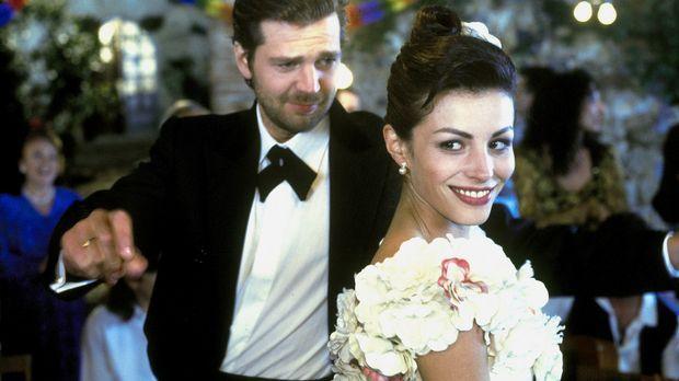 Gegen den ausdrücklichen Willen seiner Eltern heiratet Christian (Kai Wiesing...