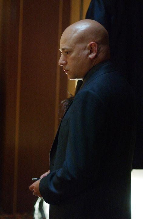 Weiß er mehr über das plötzliche Verschwinden von Lynette? Bruce Kaplan (Evan Handler) - Bildquelle: Warner Bros. Entertainment Inc.