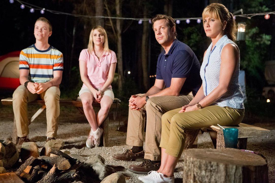 Wir sind die Millers - und wissen nicht, wie wir den Abend mit den Fitzgeralds überstehen sollen, die uns alle unsere Nerven kosten mit ihrer zu her... - Bildquelle: 2013 Warner Brothers.  All rights reserved.