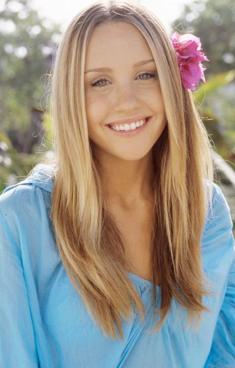 Die 18-jährige Jenny (Amanda Bynes) ist völlig aus dem Häuschen, als der von ihr angehimmelte Rockstar Jason als Gast in dem Ferienresort absteigt .... - Bildquelle: Media 8 Entertainment