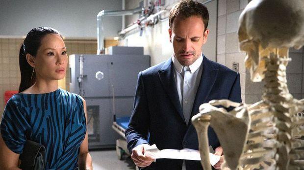 Elementary - Elementary - Staffel 4 Episode 4: Das Skelett Meiner Frau