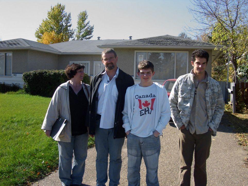 Marion (40) und Thomas (42) Wegscheider wandern mit ihren Söhnen Marc (17) und Kevin (12) nach Saskatoon in Saskatchewan aus. Für den lang gehegten... - Bildquelle: kabel eins