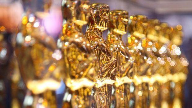 Oscar_Statue_2.jpg