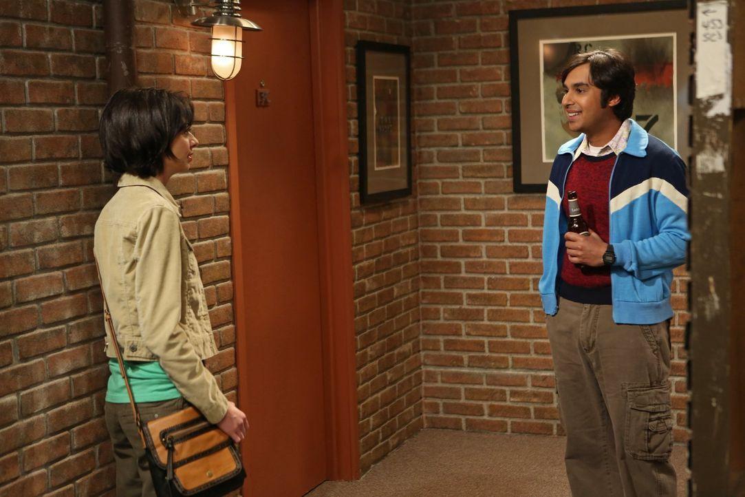 Auf Lucy (Kate Micucci, l.) und Raj (Kunal Nayyar, r.) wartet ein ganz besonderes Date ... - Bildquelle: Warner Bros. Television