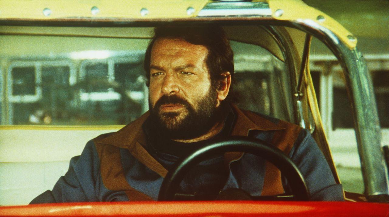 Ben (Bud Spencer) will endlich einen eigenen Buggy: Kaum hat er einen gewonnen, wird dieser von miesen Gangstern auch schon kaputtgemacht, doch Ben... - Bildquelle: Columbia Pictures