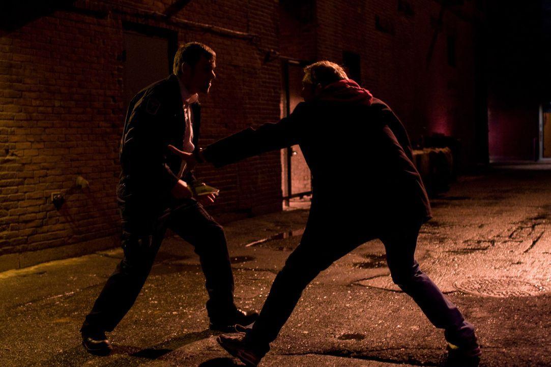 Zwischen Terry (Josh Lucas, r.) und Kevin Stanovich (Jamie Harrold, l.) entbrennt ein Kampf auf Leben und Tod ...