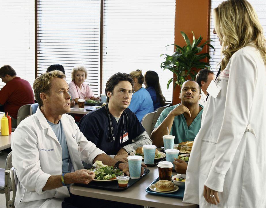 Elliott (Sarah Chalke, r.) ist nach dem Beziehungsende ziemlich verzweifelt. Dr. Cox (John C. McGinley, l.), J.D. (Zach Braff, 2.v.l.) und Turk (Don... - Bildquelle: Touchstone Television