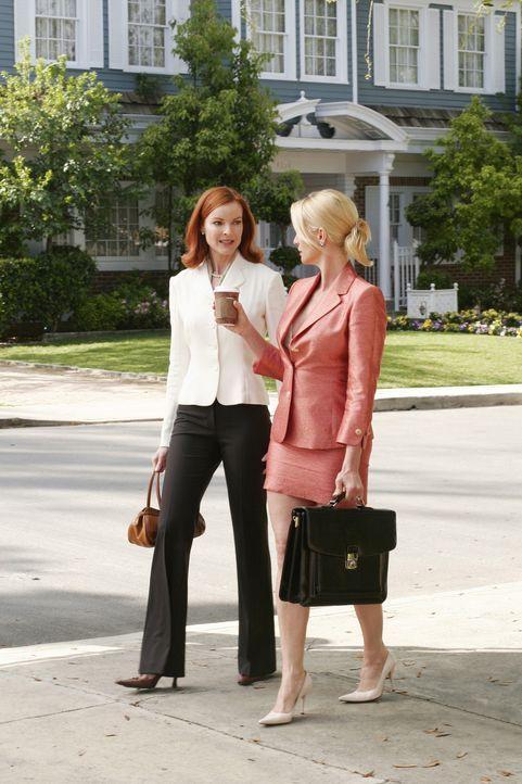 Während Bree (Marcia Cross, l.) ein Rezept abholen will, trifft sie auf Edie (Nicolette Sheridan, r.), die zufällig das Treffen von George und ihr m... - Bildquelle: Touchstone Pictures