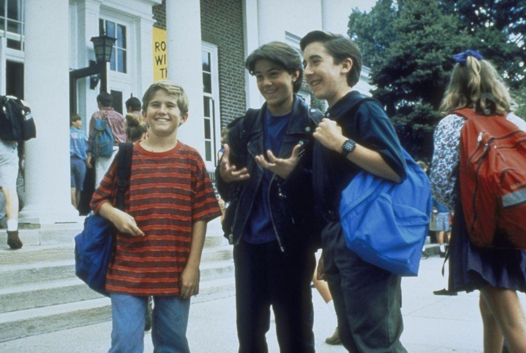 Um einmal eine nackte Frau zu sehen, beschließt der zwölfjährige Frank (Michael Patrick Carter, l.) zusammen mit seinen Freunden in die große St... - Bildquelle: Paramount Pictures