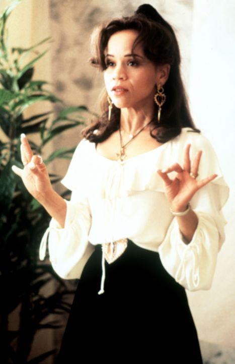 Als die geldgierige Muriel (Rosie Perez) erfährt, dass ihr Mann den Lottogewinn mit einer einfachen Kellnerin geteilt hat, rastet sie völlig aus ... - Bildquelle: Columbia TriStar