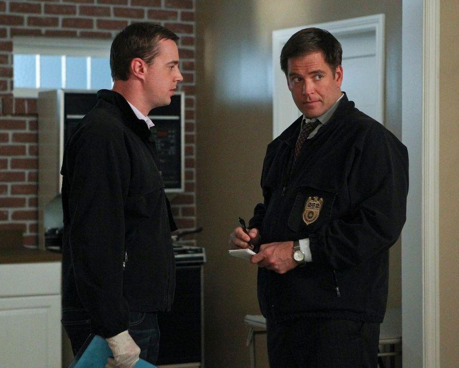 Bei den Ermittlungen in einem neuen Fall: McGee (Sean Murray, l.) und Tony (Michael Weatherly, r.) ... - Bildquelle: CBS Television