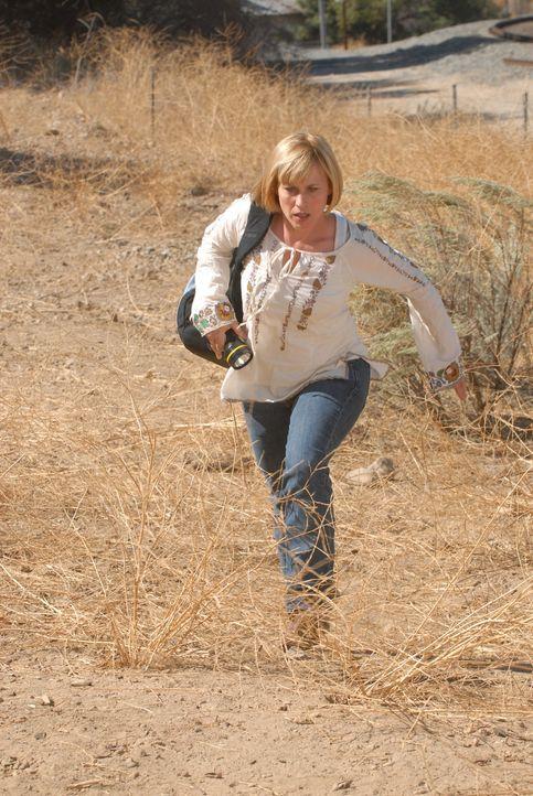 Ein Traum führt Allison (Patricia Arquette) in die Wüste von Arizona, wo sie die Leiche des 12-jährigen Jimmy Nessler vermutet ... - Bildquelle: Paramount Network Television
