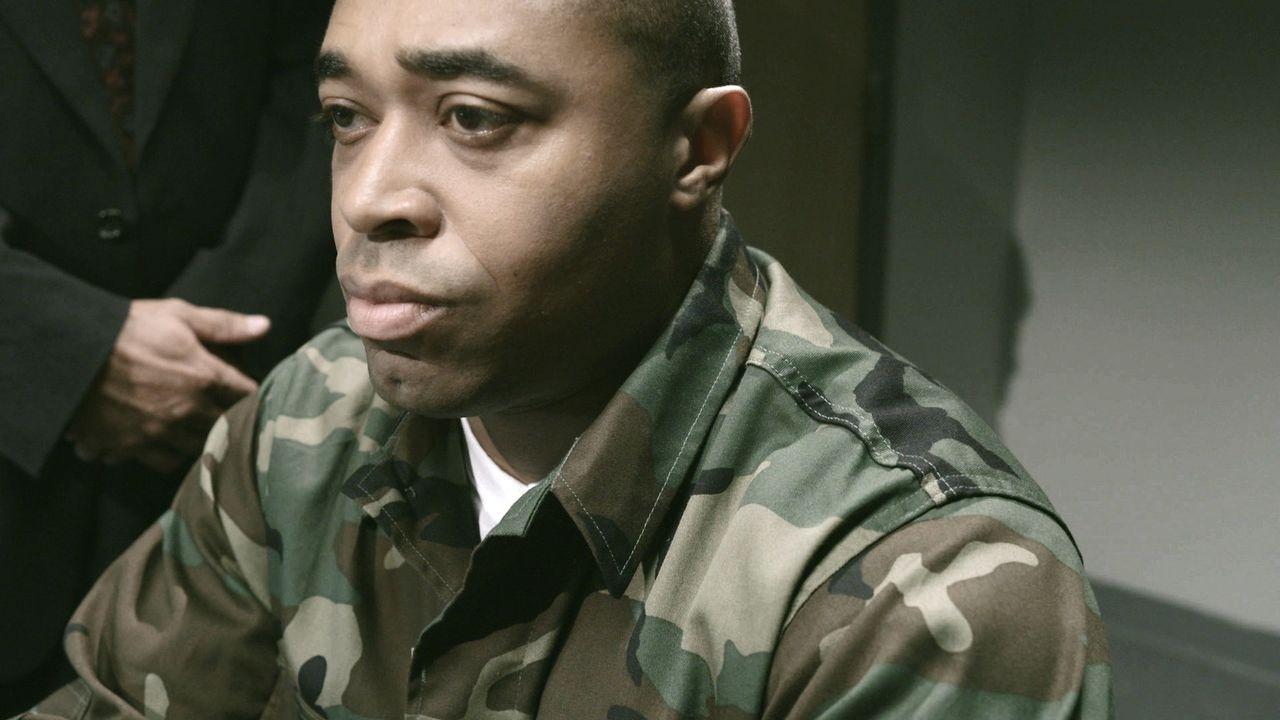 Auf der Suche nach dem Mörder: Nach dem tödlichen Schuss auf einen 21-jährigen Soldaten, führen die Ermittlungen Lt. Joe Kenda bis in die US-Armee .... - Bildquelle: Jupiter Entertainment