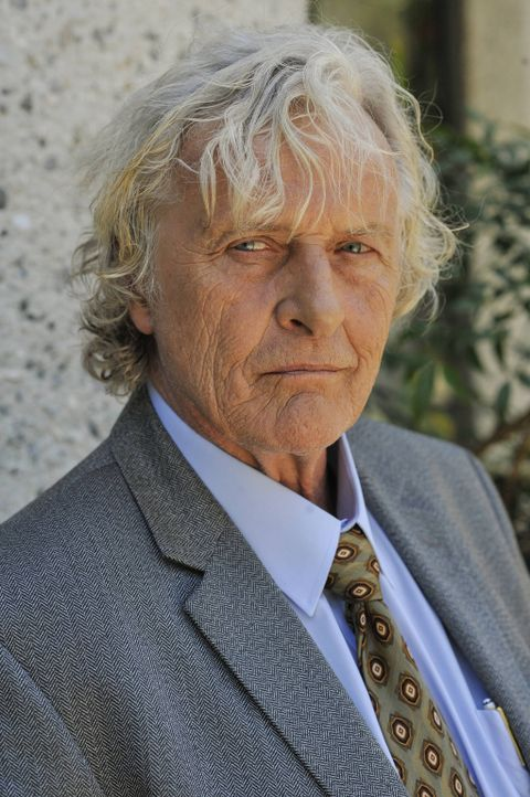 Der Psychater Dr. Grummons (Rutger Hauer) kann Ryan die Antworten geben, die er nach dem Tod seines Vaters sucht. Doch dazu muss er ihn zuerst thera... - Bildquelle: 2014 Fox and its related entities.  All rights reserved.