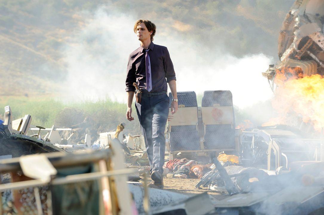 Als in Colorado ein Passagierflugzeug abstürzt, muss das Team um Reid (Matthew Gray Gubler) dorthin reisen, um herauszufinden, wie das geschehen... - Bildquelle: Colleen Hayes ABC Studios