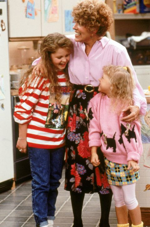 Als ein Streit zwischen Jesse und seinem Vater die Familienharmonie zu zerstören droht, versucht Irene (Yvonne Wilder, M.) wenigstens Stephanie (Jod... - Bildquelle: Warner Brothers Inc.