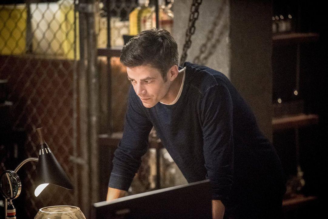 Eigentlich hatte Barry (Grant Gustin) gehofft, dass durch den erneuten Tod seiner Mutter wieder alles wie früher wäre, doch dann muss er erkennen, d... - Bildquelle: 2016 Warner Bros.