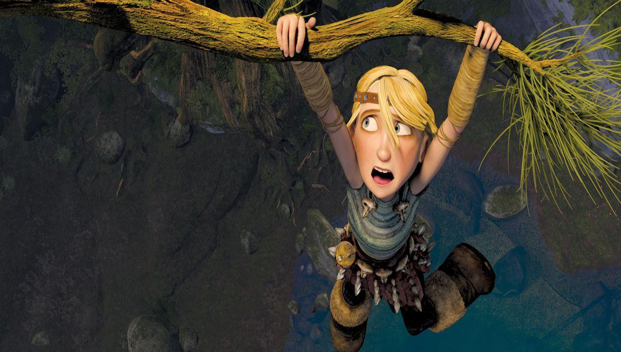 Eine scheinbar aussichtslose Situation: Das mutike Wikingermädchen Astrid schwebt in Lebensgefahr. Ob ihr rechtzeitig jemand zu Hilfe eilen kann? - Bildquelle: 2012 by DreamWorks Animation LLC. All rights reserved.