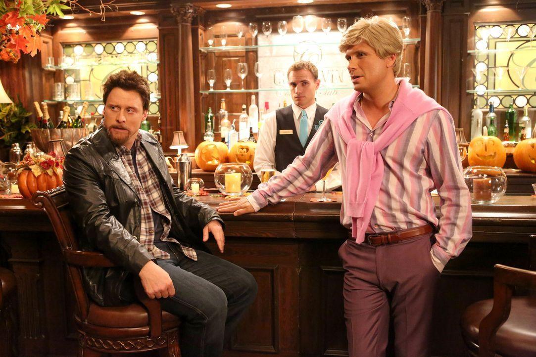 Haben sich etwas ganz Besonderes für Halloween ausgedacht: George (Jeremy Sisto, r.) und Noah (Alan Tudyk, l.) ... - Bildquelle: Warner Brothers