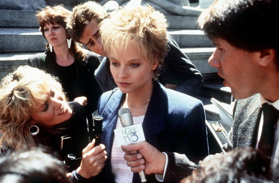 Sarah (Jodie Foster, M.) vor dem zweiten Prozess, in dem sie endlich ihre Version der Tat schildern kann ... - Bildquelle: Paramount Pictures