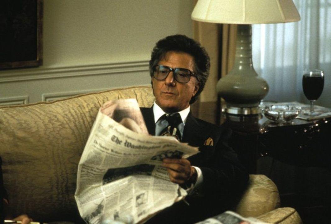 Anfangs läuft für den erfolgreichen Hollywood-Produzenten Stanley Motss (Dustin Hoffman) alles nach Plan. Bis sich das CIA einmischt ... - Bildquelle: New Line Productions, Inc.
