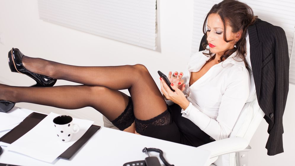 Sextipps - Dirty Talk per SMS - Bildquelle: Fotolia - milanmarkovic78