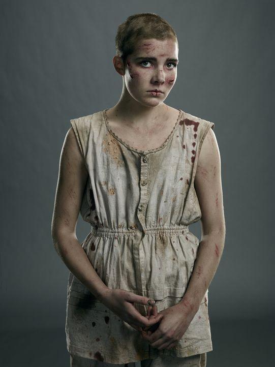 (1. Staffel) - Die junge Mercy Lewis (Elise Eberle) fällt den Hexen in die Hände. Doch ist sie wirklich das Schoßhündchen, was sich die Teufelsanbet... - Bildquelle: 2013-2014 Fox and its related entities.  All rights reserved.