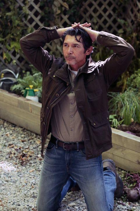 Im Hinterland von Michigan stoßen Weller und sein Team überraschend auf Saul Guerrero (Lou Diamond Phillips), einen seit vielen Jahren gesuchten Mör... - Bildquelle: Warner Brothers