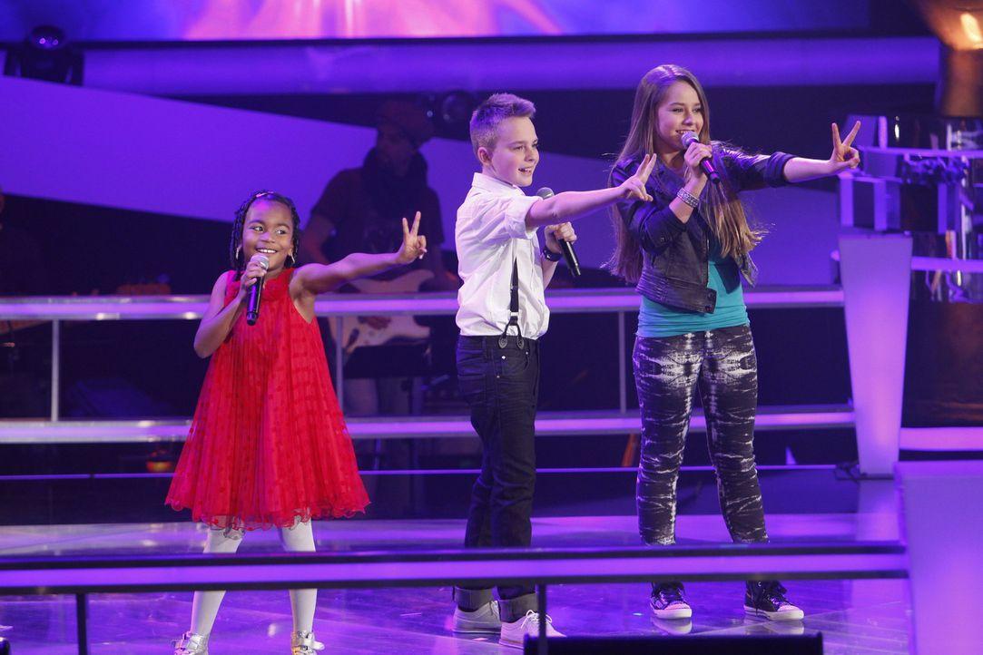 Treten gegeneinander an: Chelsea (l.), Mike (M.) und Olivia (r.) ... - Bildquelle: Richard Hübner SAT.1