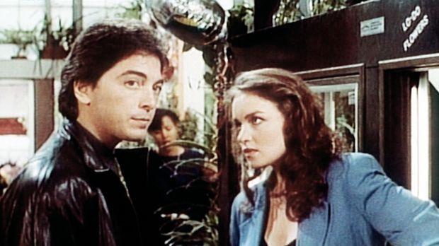 Dr. Jack Stewart (Scott Baio, l.) bittet seine Exfreundin Josie (Kristen Clok...