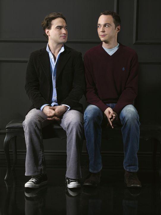 (1. Staffel) - Die beiden brillanten Nachwuchsphysiker Leonard (Johnny Galecki, l.) und Sheldon (Jim Parsons, r.) sind beste Freunde und teilen sich... - Bildquelle: Warner Bros. Television