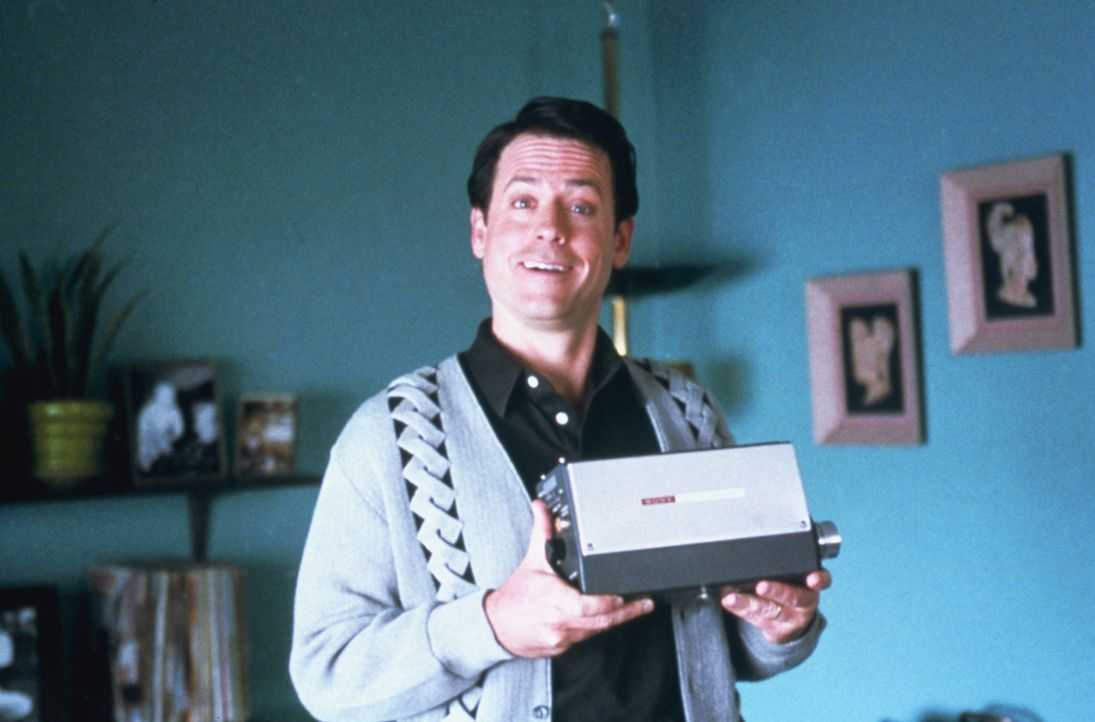 """Mit einer Rolle in der Comedy-Serie """"Ein Käfig voller Helden"""" wird Bob Crane (Greg Kinnear) über Nacht zu einem beliebten Serien-Star. Was sein Pu... - Bildquelle: 2003 Sony Pictures Television International"""
