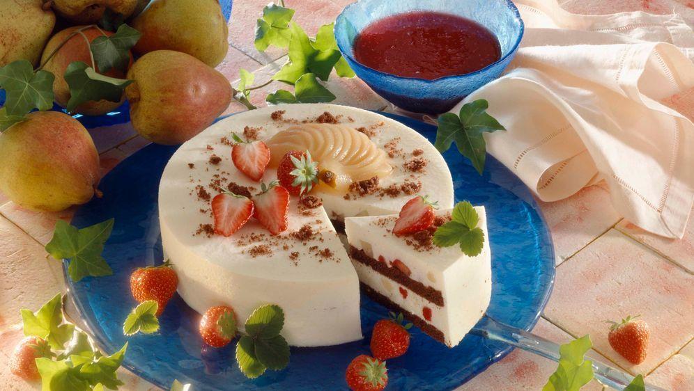 Bayrisch-Creme Torte mit Erdbeeren - Bildquelle: Photocuisine