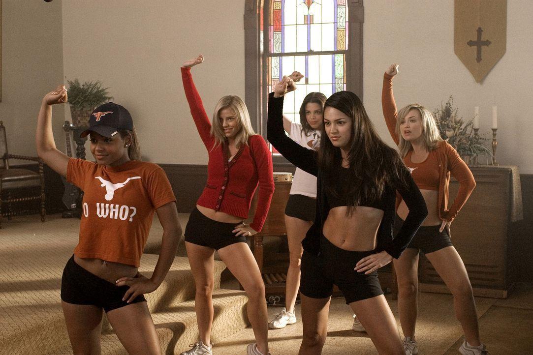 Eines Tages wird eine Gruppe von Cheerleadern (v.l.n.r.: Christina Milian, Kelli Garner, Vanessa Ferlito, Paula Garcés, Monica Keena) Zeuge eines b... - Bildquelle: Sony Pictures Entertainment