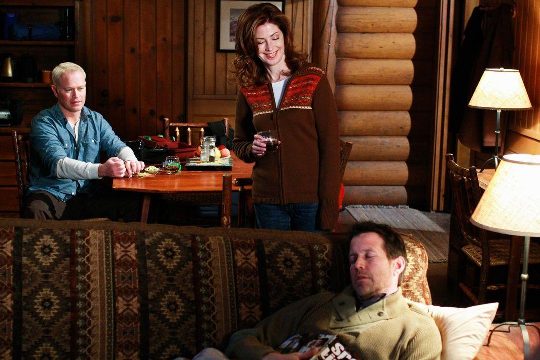 Ein Ausflug endet völlig anders als geplant: Dave (Neal McDonough, l.) Mike (James Denton, r.) und Katherine (Dana Delany, M.) ... - Bildquelle: ABC Studios