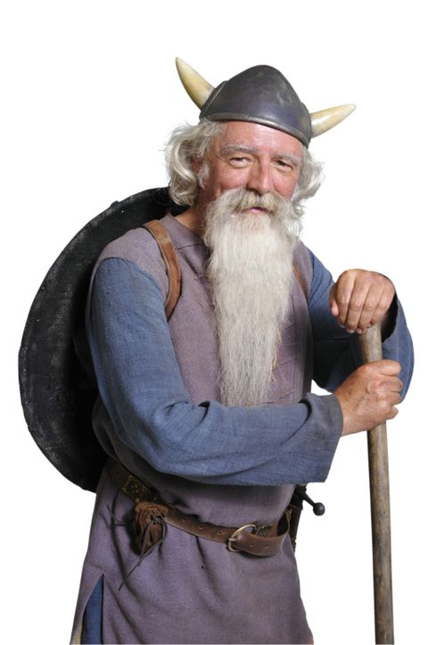 Der weise Urobe (Olaf Krätke) mit dem langen Bart ist der Älteste unter den starken Männern! Tausende gefährliche Abenteuer hat er schon überst... - Bildquelle: 2009 Constantin Film Verleih GmbH