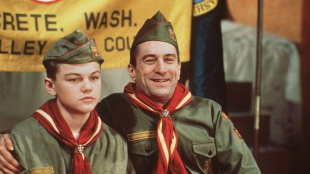 Dwight Hansen (Robert De Niro, r.) zwingt seinen Stiefsohn Toby Wolff (Leonar...
