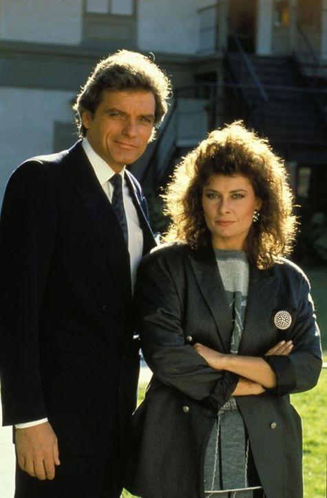 (6. Staffel) - Sind nur mit Vorsicht zu genießen: Richard (David Selby, l.) und Meredith Braxton (Jane Badler, r.) ... - Bildquelle: 1986   Warner Brothers