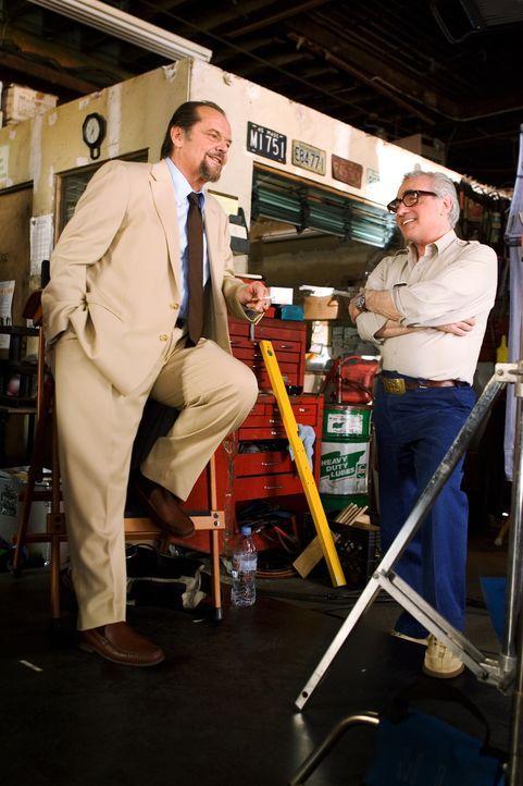 Bei den Dreharbeiten: Martin Scorsese (r.) und Jack Nicholson (l.) ... - Bildquelle: Warner Bros. Entertainment Inc