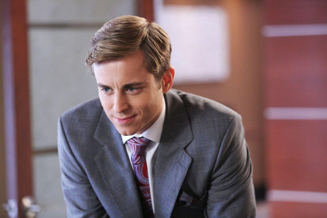 Muss sich zwischen der fülligen Kimmie und der attraktiven Kendall entscheiden: Richard (Kevin Bishop) ... - Bildquelle: Warner Brothers