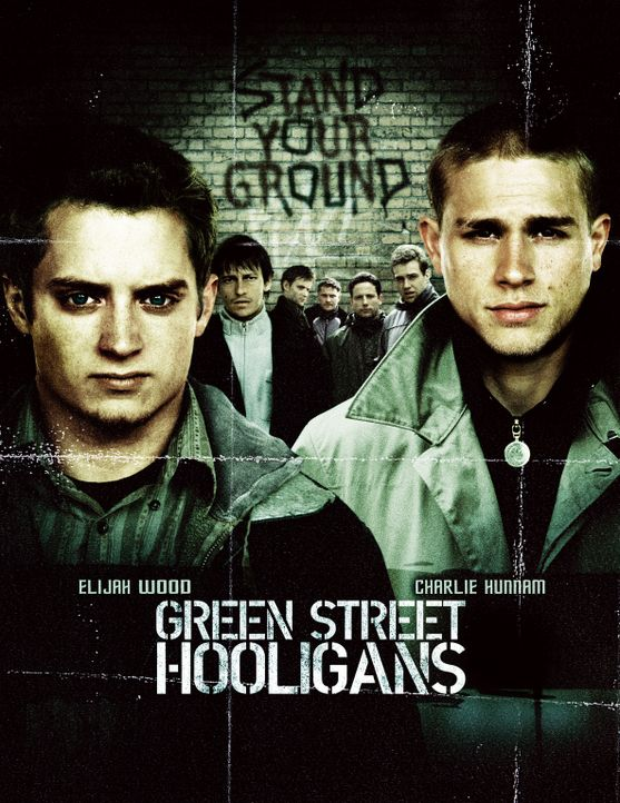 Hooligans mit Elljah Wood, l. und Charlie Hunnam, r. - Bildquelle: Odd Lot Entertainment