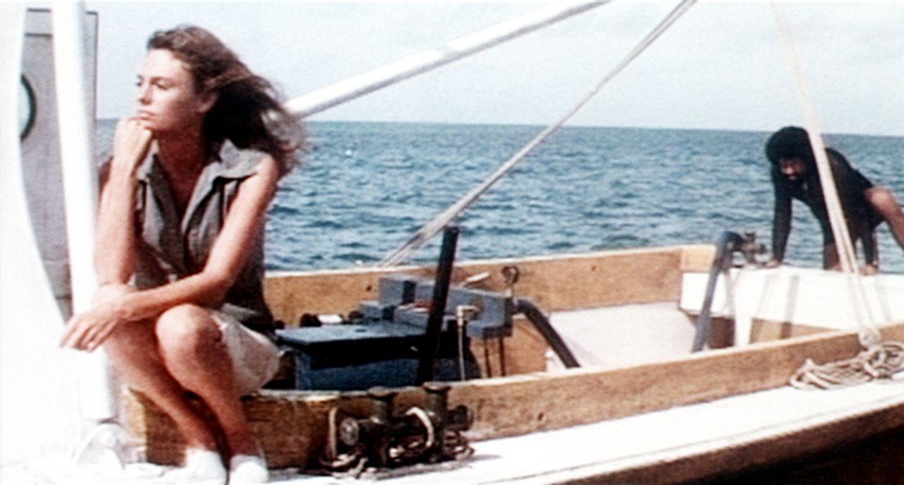Gail (Jacqueline Bisset) genießt ihre Flitterwochen auf den Bermudas ... - Bildquelle: Columbia Pictures