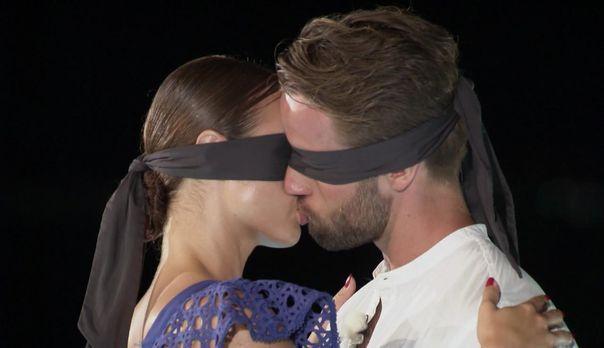 Kiss Bang Love - endless summer - 2Jennifer - Bildquelle: ProSieben