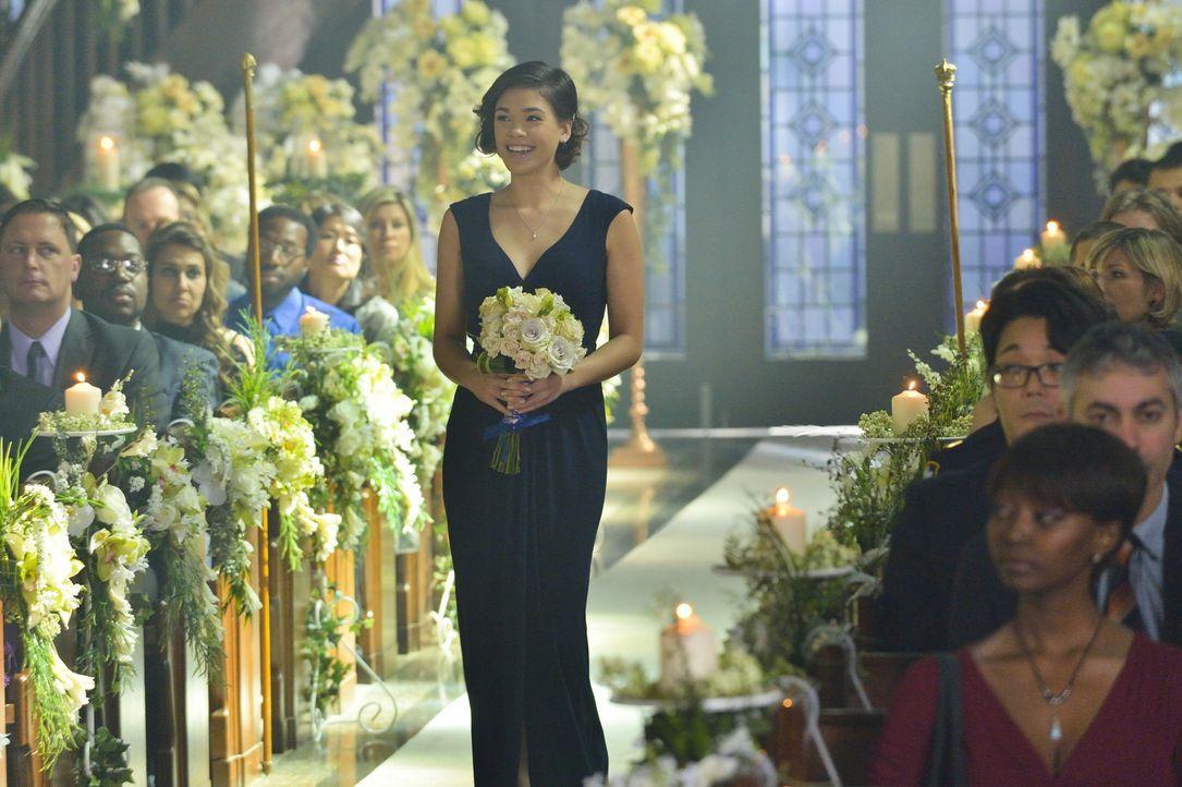 Alles ist bis ins kleinste Detail geplant: Heather (Nicole Gale Anderson) bereitet Catherines Hochzeit vor, erwartet jedoch keine gefährlichen Unter... - Bildquelle: Ben Mark Holzberg 2015 The CW Network, LLC. All rights reserved.