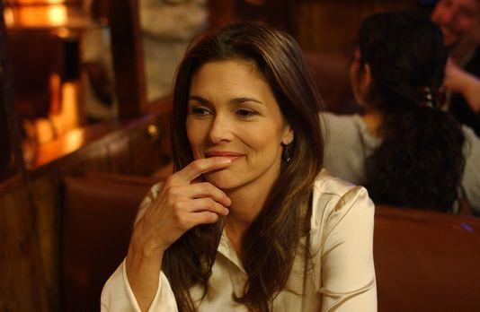 Rescue Me - Damiens Lehrerin, Mrs. Turbody (Paige Turco), verführt nicht nur...