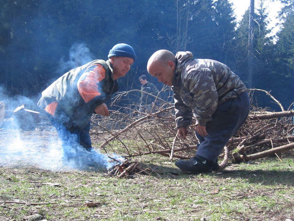 Ulf-und-Nils-im-Survival-Camp - Bildquelle: SAT.1