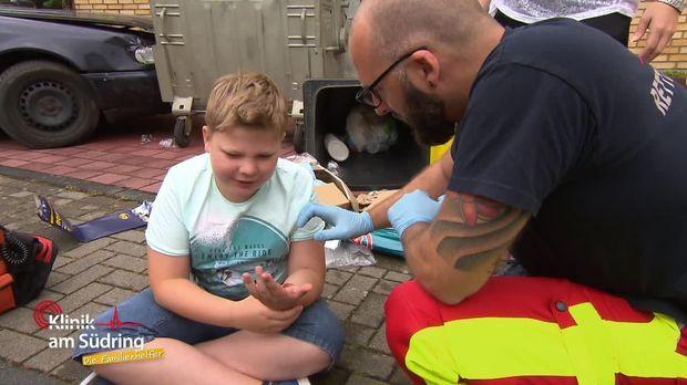 Klinik Am Südring - Die Familienhelfer - Klinik Am Südring - Die Familienhelfer - Der Tolle Polizist